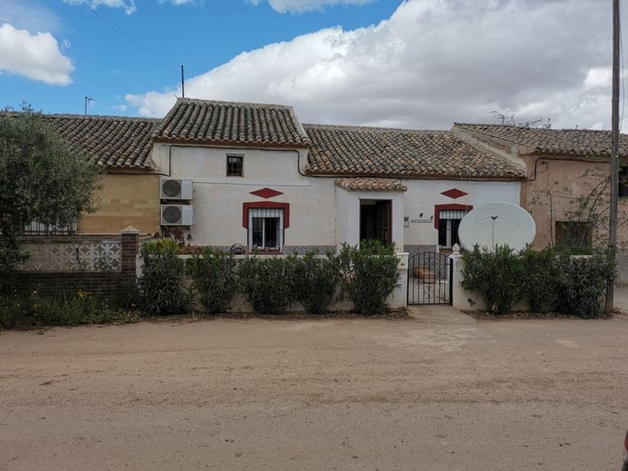 Propery For Sale in La Pinilla, Spain image 1
