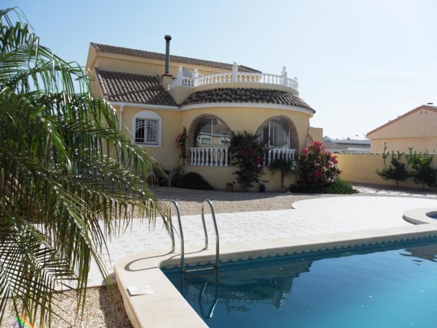 1632: Villa for sale in  Camposol