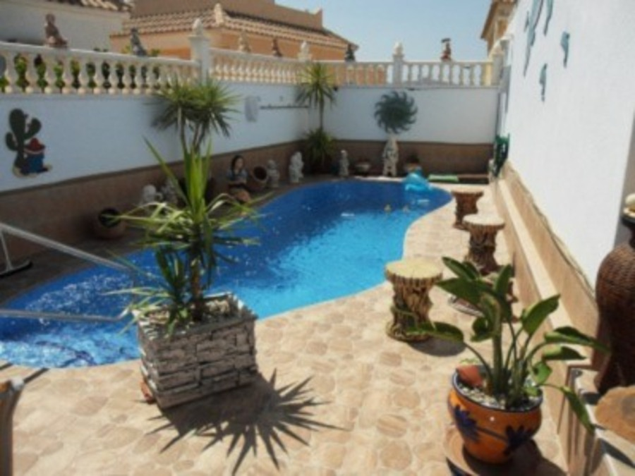 1502: Villa for sale in  Camposol